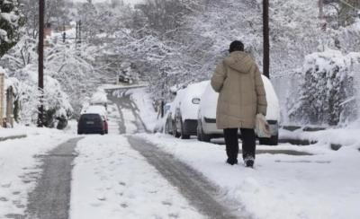 Κακοκαιρία «Μήδεια»: Διακοπή της κυκλοφορίας στη λεωφόρο Πάρνηθος