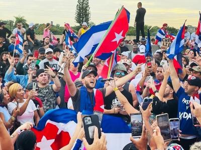 Εξέγερση με ένα νεκρό… στην Κούβα - 130 συλλήψεις και αγνοούμενοι - Έκοψε τα  social media η κυβέρνηση