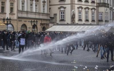 Δανία: Επεισόδια και συλλήψεις σε διαδηλώσεις κατά των περιοριστικών μέτρων του κορωνοΐού
