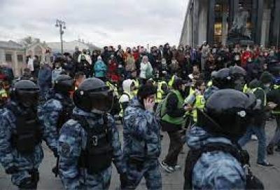 Ρωσία: Πάνω από 1.000 συλλήψεις υποστηρικτών του απεργού πείνας Navalny
