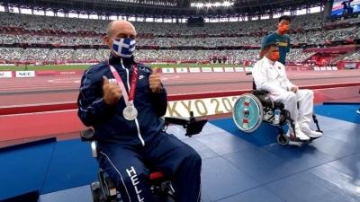 Παραολυμπιακοί Αγώνες: Η στιγμή της απονομής για τον Κωνσταντινίδη με το αργυρό μετάλλιο!