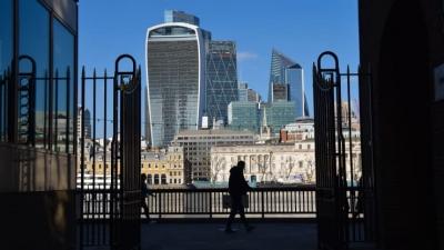 Goldman Sachs: Ταχύτερη η ανάκαμψη της βρετανικής οικονομίας από τις ΗΠΑ