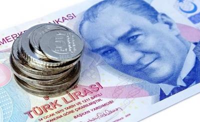 Καταποντίζεται η τουρκική λίρα – O Erdogan θέτει υπό τον έλεγχό του και την Κεντρική Τράπεζα