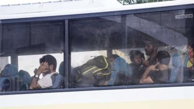 Γιαννιτσά: 30 κάτοικοι εμπόδισαν την εγκατάσταση προσφύγων σε ξενοδοχείο - Επέμβαση της αστυνομίας