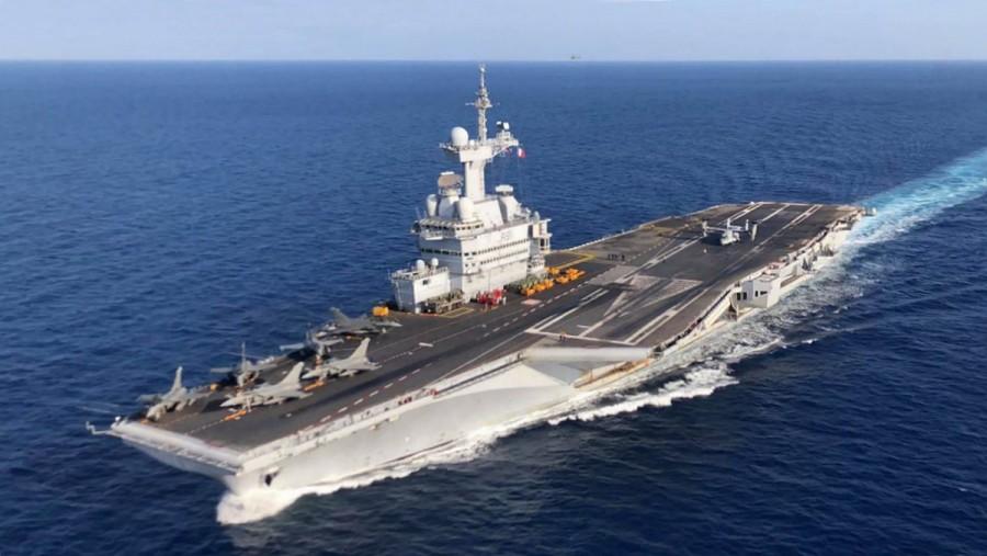 Η Μεσόγειος φλέγεται: Το γαλλικό αεροπλανοφόρο Charles de Gaulle ανοιχτά της Λιβύης