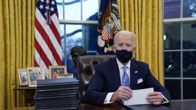 Biden: Δεν έχουμε τελειώσει ακόμα με τον κορωνοϊό – Εμβόλια σε όλους τους ενήλικες από 19/4