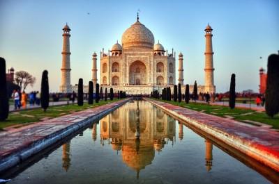 Ινδία - Κορωνοϊός: Χιλιάδες οι επισκέπτες στο Ταζ Μαχάλ ενώ η πανδημία καλπάζει