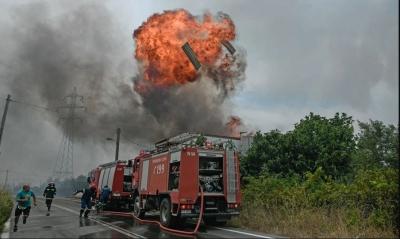 Πύρινη κόλαση στην Αττική με ένα νεκρό - Ανεξέλεγκτα μέτωπα - Καίγονται σπίτια σε Αφίδνες, Ιπποκράτειο Πολιτεία, Κρυονέρι