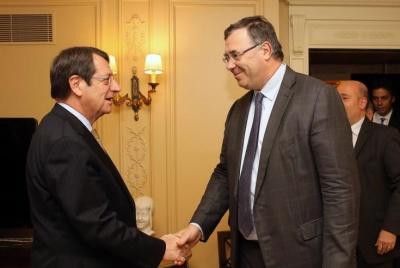 Με τον επικεφαλής της TOTAL συναντήθηκε στο Παρίσι ο πρόεδρος της Κύπρου