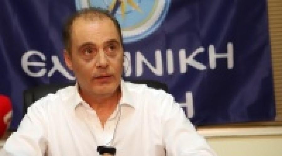 Ελληνική Λύση: Στο στόχαστρο οι λιτανείες, στο απυρόβλητο οι συνωστισμοί στα κρουαζιερόπλοια
