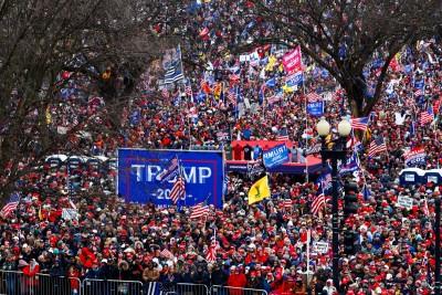 Ουάσιγκτον: Χιλιάδες υποστηρικτές του Trump κατέβηκαν στους δρόμους - Φόβοι για αναταραχές