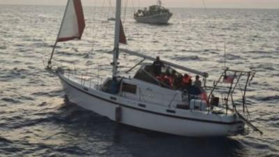 Σκάφος με 170 μετανάστες ρυμουλκείται στην Καλαμάτα