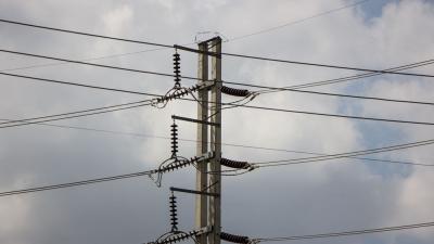 ΑΔΜΗΕ: Σχέδιο για στοχευμένες διακοπές ρεύματος λόγω της πυρκαγιάς στο Κρυονέρι – Εκτός λειτουργίας δύο κυκλώματα