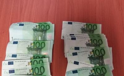 Θεσσαλονίκη: Δύο συλλήψεις για συναλλαγές με πλαστά χαρτονομίσματα των 100 ευρώ