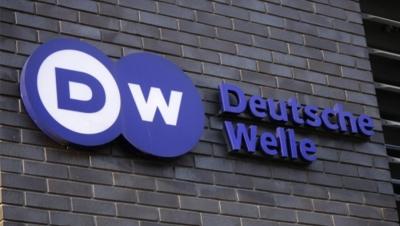 Deutsche Welle: «Λίστα διαφθοράς Πέτσα» - Η κυβέρνηση στο κάδρο για διάθεση χρημάτων σε φιλικά ΜΜΕ