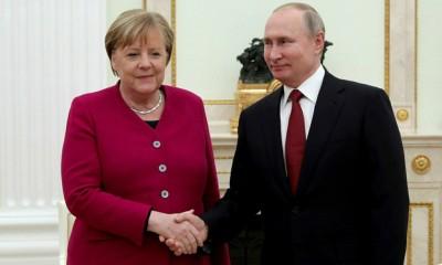 Putin σε Merkel και Macron: Απαράδεκτη οποιαδήποτε εξωτερική παρέμβαση στη Λευκορωσία