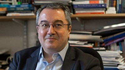 Μόσιαλος: Δεν αποκλείεται 4o κύμα κορωνοϊού - Γενναία η απόφαση παροχής self tests από την κυβέρνηση