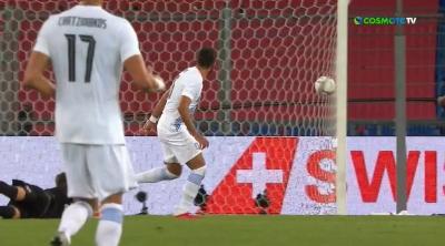Ελβετία - Ελλάδα 2-1: Έστειλε την μπάλα στο δοκάρι ο Παυλίδης και δεν μπόρεσε να ισοφαρίσει (video)