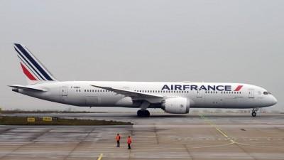 Γαλλία: 15 δισ. ευρώ για τη στήριξη των αερομεταφορών
