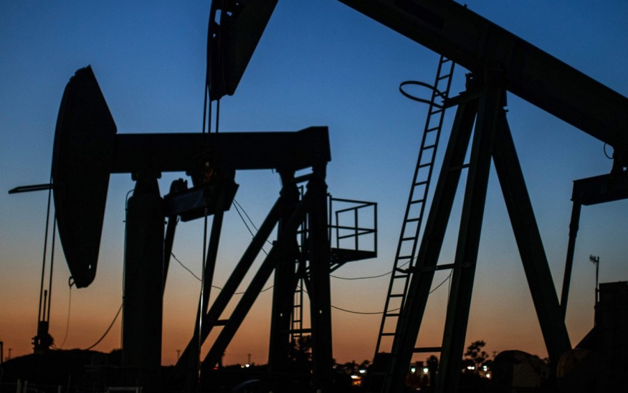 Η στροφή των χωρών με επικεφαλής την Κϊνα προς τα ηλεκτρικά οχήματα θα βάλει τέλος στην εποχή του πετρελαίου