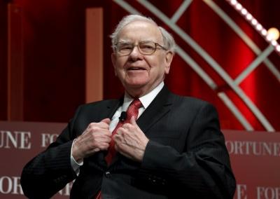Ψήφος εμπιστοσύνης στην Apple από τον Warren Buffett – Επένδυσε 28 δισ. το 2017