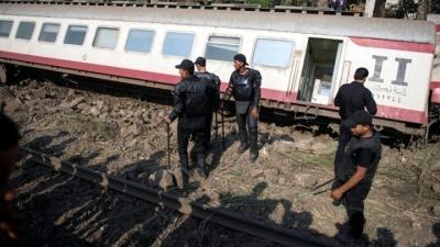 Αίγυπτος: Τουλάχιστον 100 τραυματίες από τον εκτροχιασμό τρένου