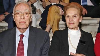 «Εγώ είμαι καλά χάρη στο εμβόλιο» λέει η σύζυγός του Βασίλη Λεβέντη