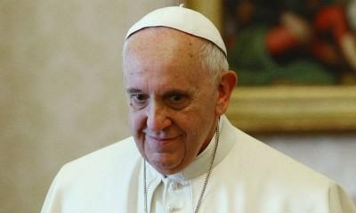 Ο Πάπας Φραγκίσκος ζητά την αποστολή του εμβολίου σε φτωχούς και ευάλωτους