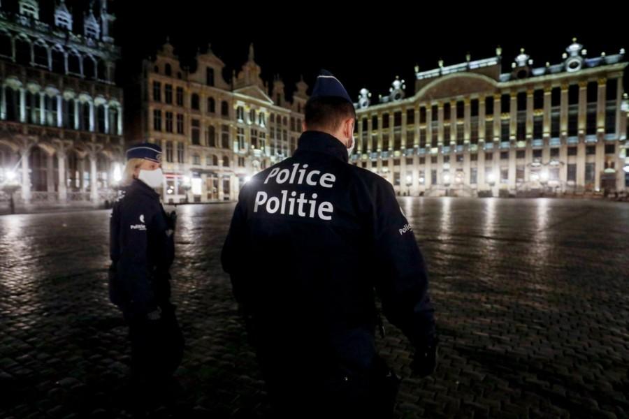 Βρυξέλλες: Πάρτι οργίων εν μέσω lockdown - Ευρωβουλευτής προσπάθησε να το σκάσει από το παράθυρο!