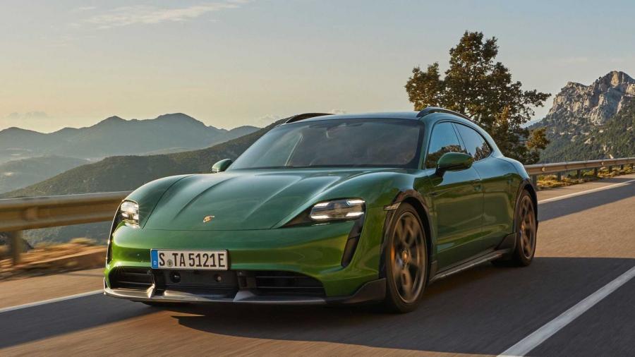 Στην Porsche Taycan Cross Turismo αρέσει να σκονίζεται!