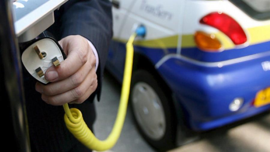 ΔΕΗ: Προκήρυξη και τρίτου διαγωνισμού για φορτιστές ηλεκτρικών οχημάτων