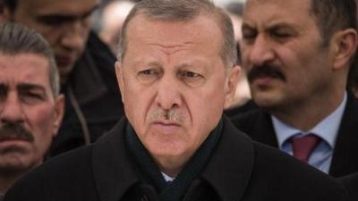 Διπλή «ήττα» Erdogan σε δημοσκόπηση: Τον ξεπερνούν σε ποσοστά Imamoglu και Yavas