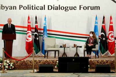 Οι πολιτικές συνομιλίες μεταξύ των αντιμαχόμενων δυνάμεων της Λιβύης ξεκινούν στην Τυνησία (9/11)