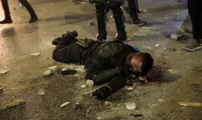 Πεδίο μάχης η Νέα Σμύρνη, βίαια επεισόδια μεταξύ διαδηλωτών και αστυνομίας - Τραυματίες 3 αστυνομικοί