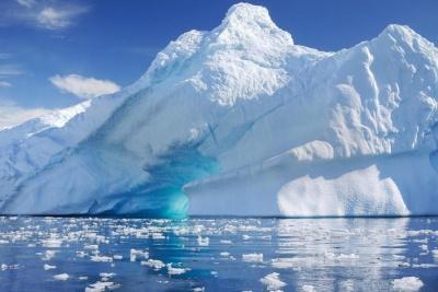 Σήμα κινδύνου για τις επιπτώσεις από το λιώσιμο πάγων σε Γροιλανδία και Ανταρκτική