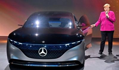 UBS: To ηλεκτροκίνητο μοντέλο της Mercedes που απειλεί την πρωτοκαθεδρία του Model S της Tesla