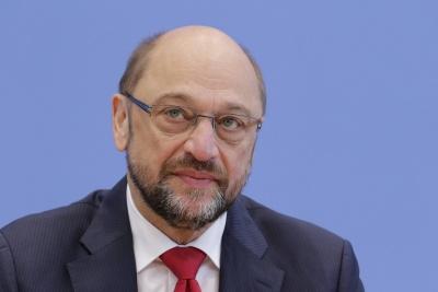 Reuters: Tην έναρξη των διαπραγματεύσεων με τη Merkel συνέστησε ο Schulz