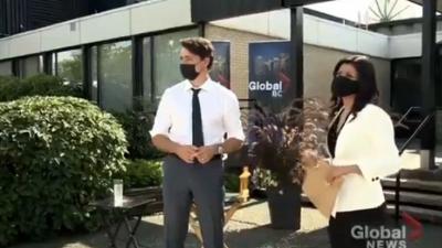 Άνδρας αποκάλεσε τη γυναίκα του Justin Trudeau «πόρνη» και εκείνος ξέσπασε