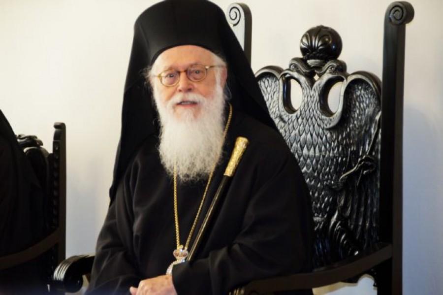Αρχιεπίσκοπος Αναστάσιος: Νίκησε τον κορωνοϊό και πήρε εξιτήριο – Το μήνυμά του