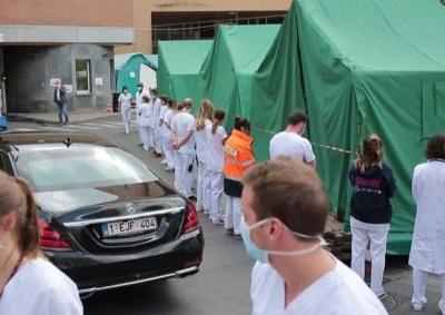 Βέλγιο: Γιατροί και νοσηλευτές αποδοκίμασαν με «ψυχρή» υποδοχή την πρωθυπουργό Sophie Vilmes