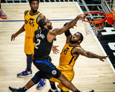NBA: Κλίπερς και Χοκς ισοφάρισαν τις σειρές, ο Γιάννης στην καλύτερη αμυντική πεντάδα της σεζόν (video)