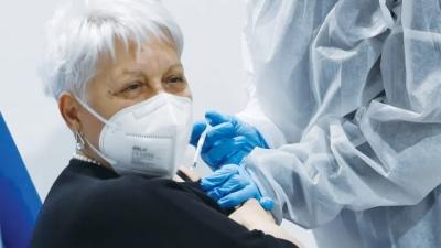 Τρίτη δόση για τους ηλικιωμένους αποφάσισε η κυβέρνηση του Ισραήλ - Μειωμένη η αποτελεσματικότητα Pfizer