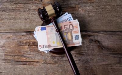 Τεχνικοί – «μαϊμού» της ΔΕΗ: Έφυγαν με λεία 115.000 ευρώ, χρυσαφικά και χρυσές λίρες