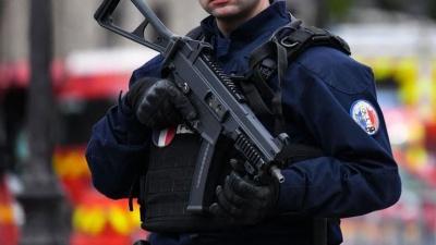 Γαλλία: Αποπομπή 16 στελεχών από τις υπηρεσίες πληροφοριών, λόγω εξτρεμισμού