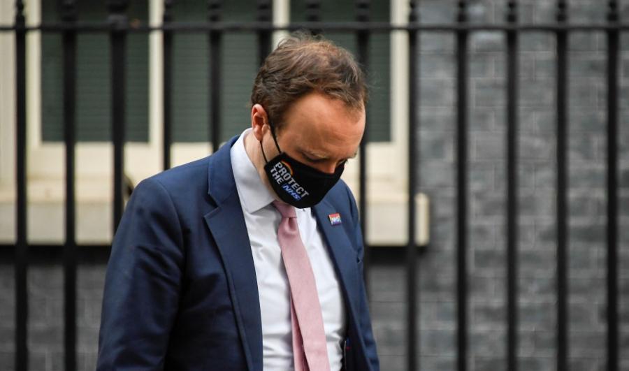 Βρετανία: Σάλος με βίντεο του υπουργού Υγείας να καταστροφολογεί για μετάλλαξη