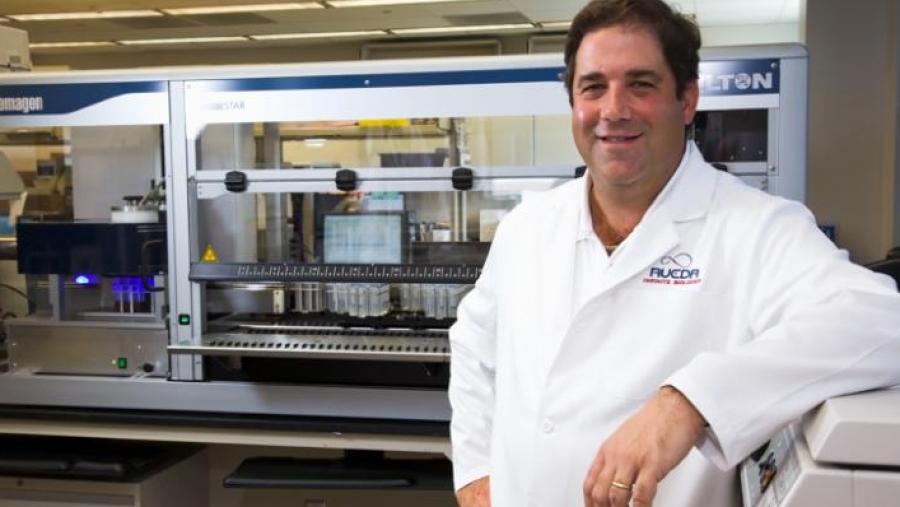 ΗΠΑ: Πέθανε στα 51 του χρόνια ο άνθρωπος που εφηύρε το τεστ κορωνοϊού με δείγμα σιέλου