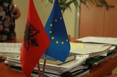 Αλβανία: Ο κορωνοϊός είναι ένας ιός σαν όλους τους άλλους, υποστηρίζει η πρώτη κυρία