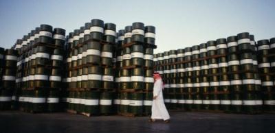Σαουδική Αραβία: Μειώνει μονομερώς την παραγωγή πετρελαίου κατά 1 εκατ. βαρέλια την ημέρα για να στηρίξει τις τιμές