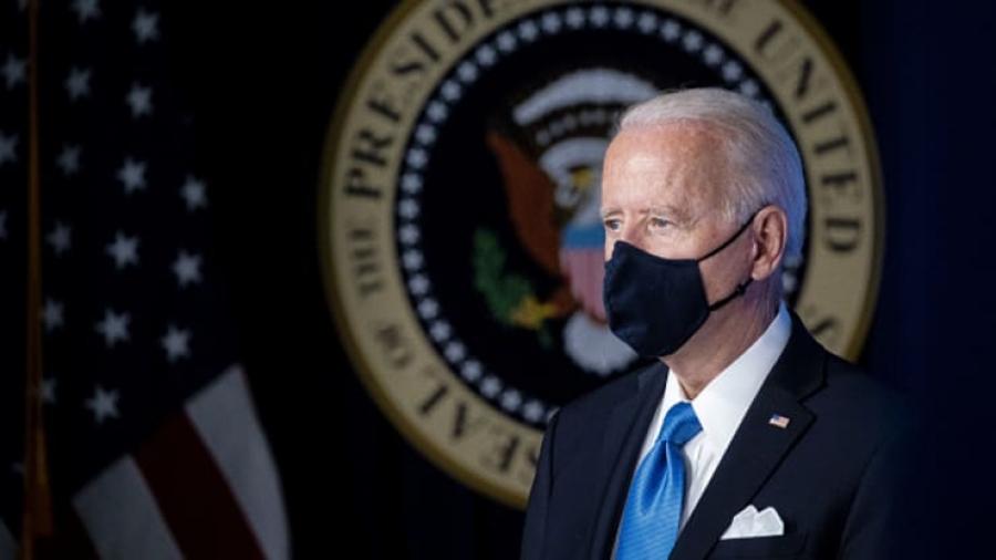 ΗΠΑ (Λευκός Οίκος): Συμμόρφωση με τη νέα οδηγία για χρήση της μάσκας σε εσωτερικούς  χώρους – Biden: Εξετάζεται ο υποχρεωτικός εμβολιασμός στο Δημόσιο