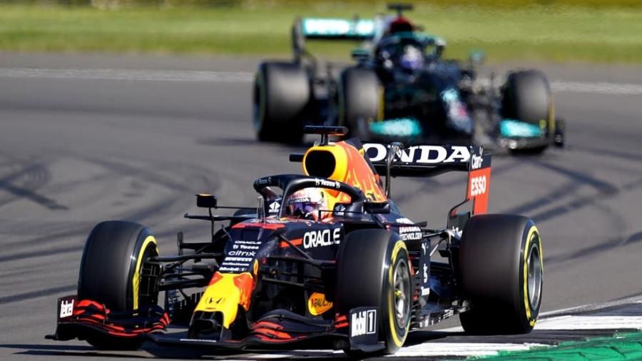Red Bull: Η κόντρα των Φερστάπεν-Χάμιλτον και ο… βραχνάς των 1,8 εκατομμυρίων δολαρίων!